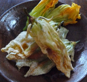 Squash_blossoms_fried
